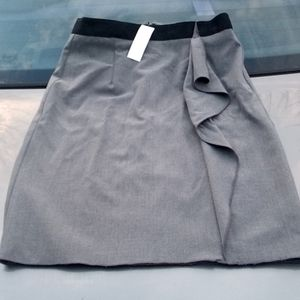 New York & Co. Grey Skirt Accent Flap Size 4 NWT